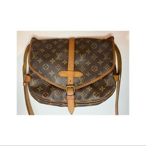 Authentic Louis Vuitton monogram canvas Saumur